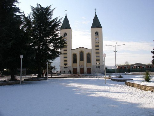 MEDJUGORJE - foto , Neve sul Podbrdo,